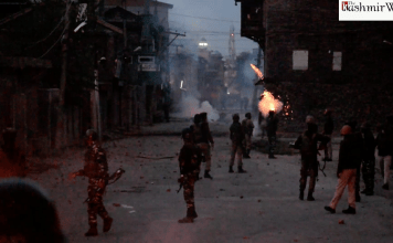 Clashes in Srinagar's downtown area, government forces