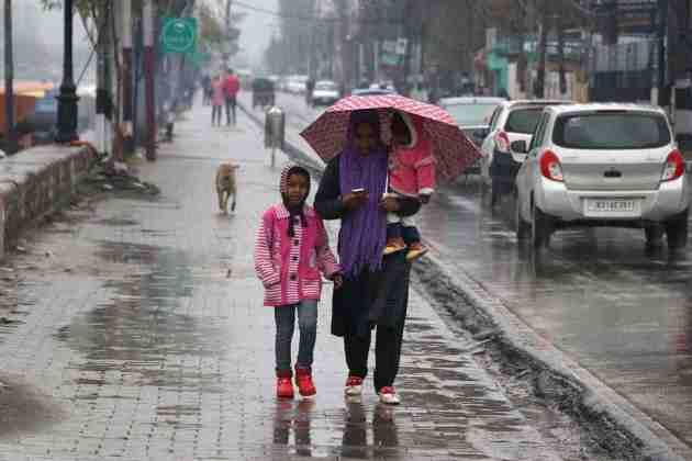 weather in kashmir