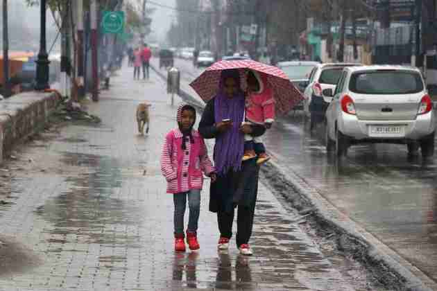 weather in kashmir, rains in kashmir, kashmir, spring, weather