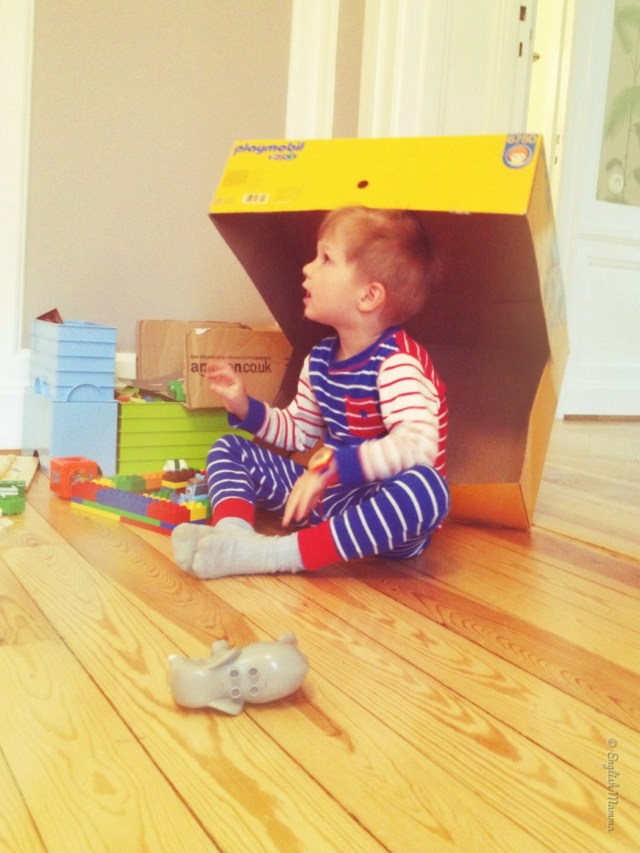An English Mamma in Stockholm: toddler in a box