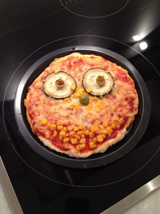 An English Mamma in Stockholm: clown face gluten free pizza