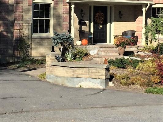broken driveway lantern, replace driveway lantern, spray painted driveway lantern