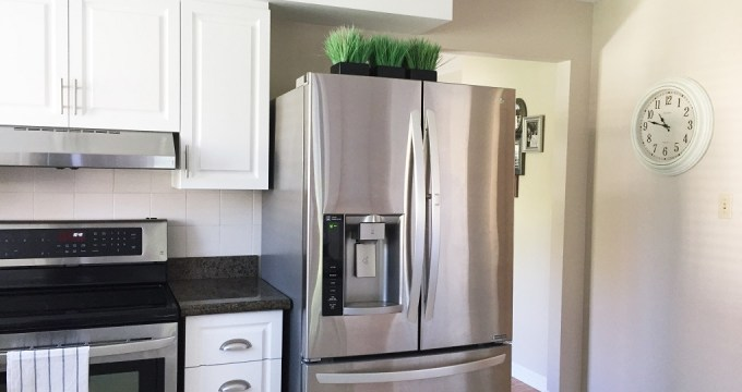 New Kitchen Hardware – Learn How I Updated My Kitchen