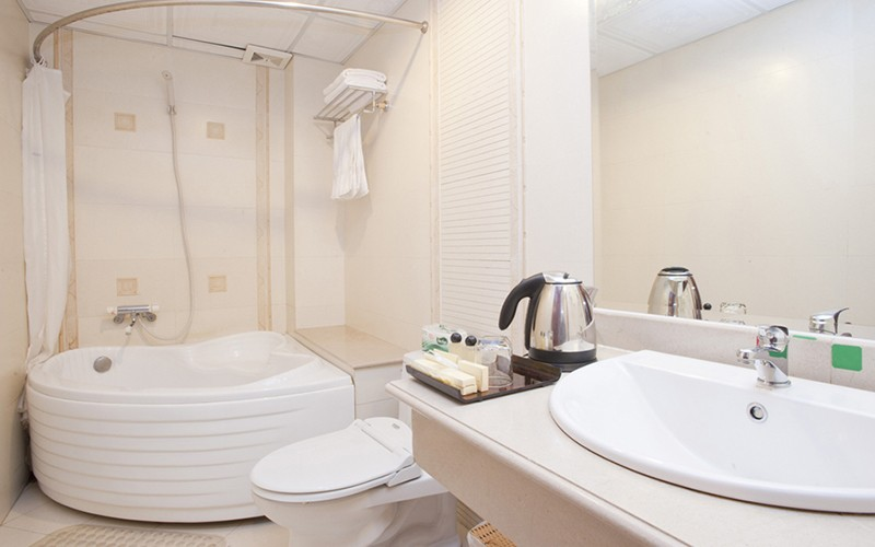 Silverland-Boutique Hotel-THL3-Suite-Bathroom
