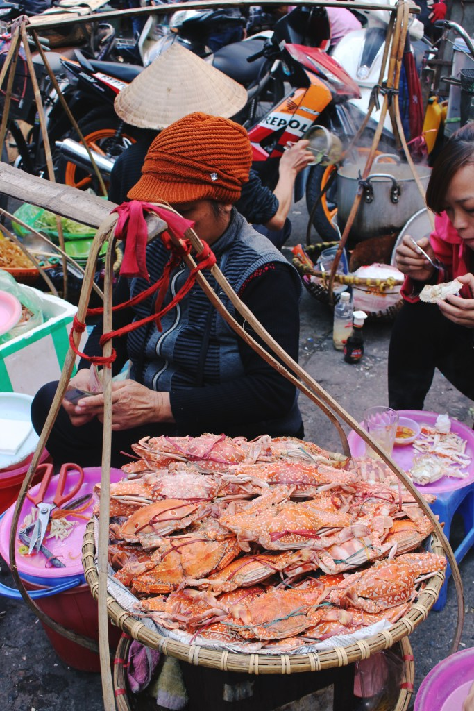 Hanoi-Street-Food-Steamed-Crab