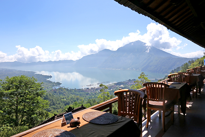 the-lakeview-restaurant-kintamani