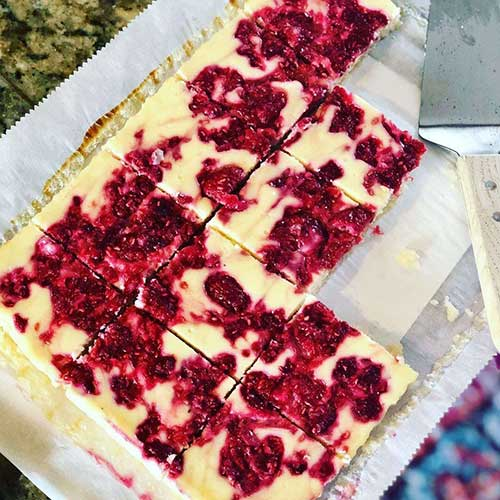Low Carb Raspberry Cheesecake Bars