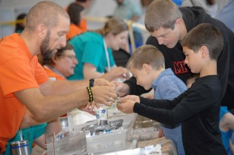 Kids at the annual STEM Expo (Photo Credit: ASCE WISE YMG)