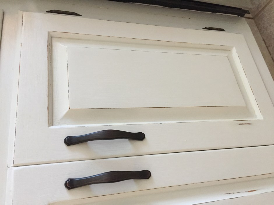 Painting kitchen cabinets with chalk paint - no sanding or priming. French Country White Kitchen Cabinets