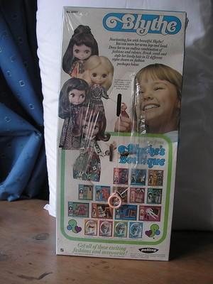 blythe-1970s-boxed-sealed-doll-ring_360_3a60898b4bd277bda1f7d115a78c60b3-2
