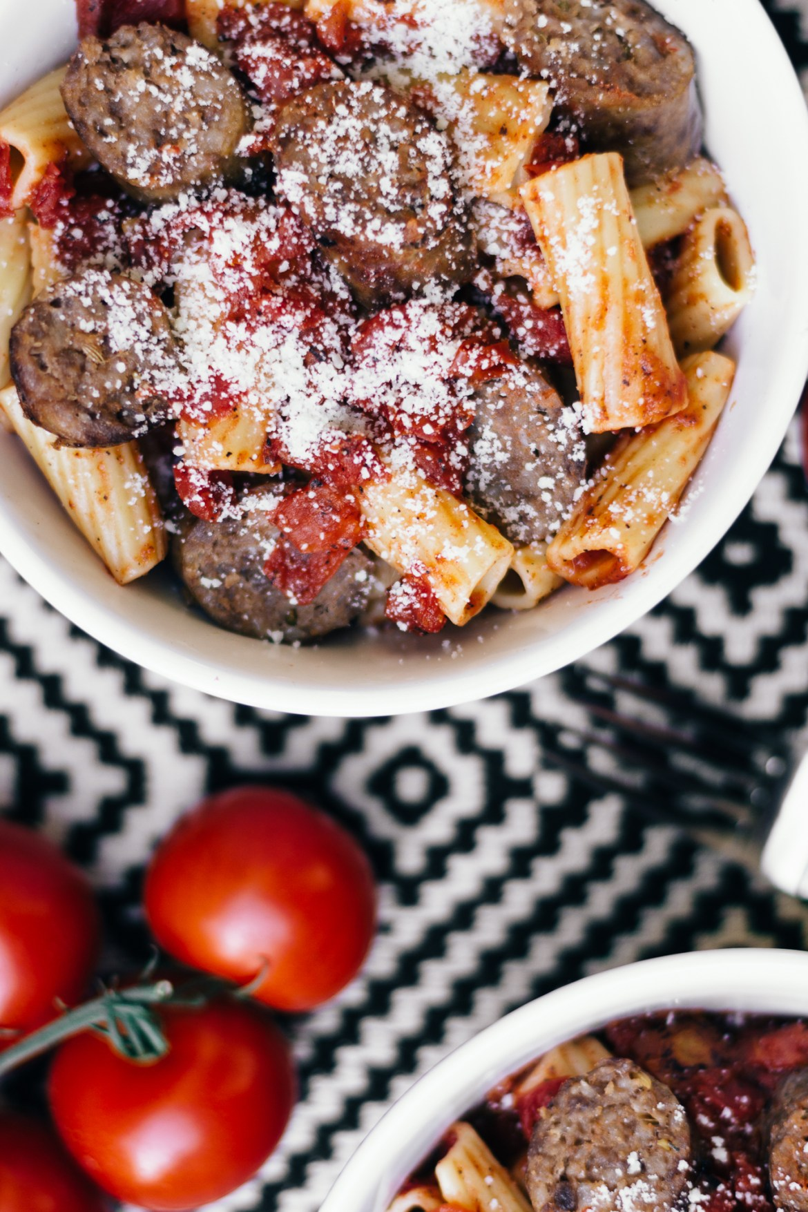 johnsonville, italian sausage, rigatoni, homemade pasta sauce, quick and easy dinner ideas