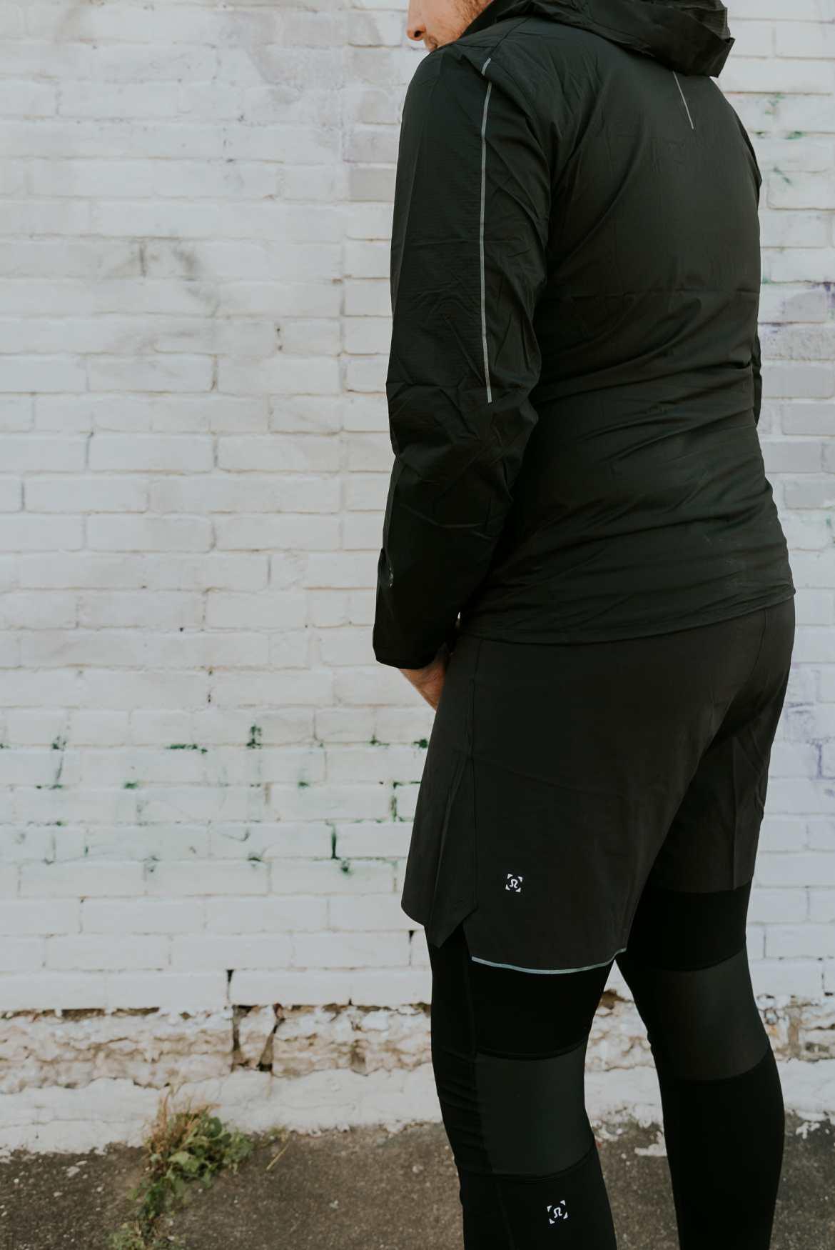 black lululemon clothing
