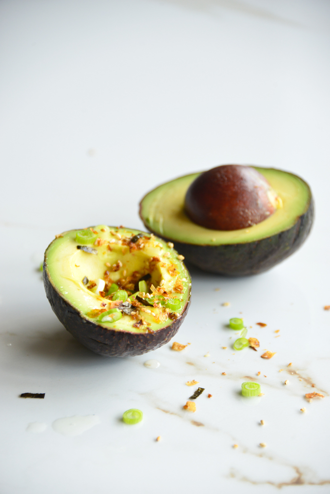 Japanese Furikake Avocado Boats make for a quick and easy snack! There's nothing like finding the perfectly ripe avocado and then just digging into it with a spoon. These avocado boats are delicious, nutritious and of course keto friendly.
