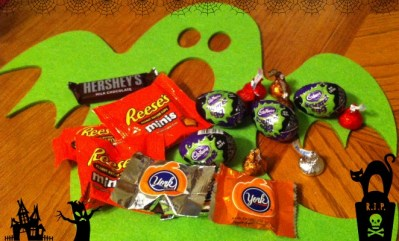 Celebrate Halloween With Hershey's Candy! #HersheysHalloween