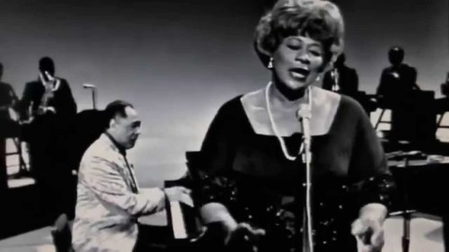 Ella Fitzgerald with Duke Ellington: It Don't Mean A Thing (1965 ...