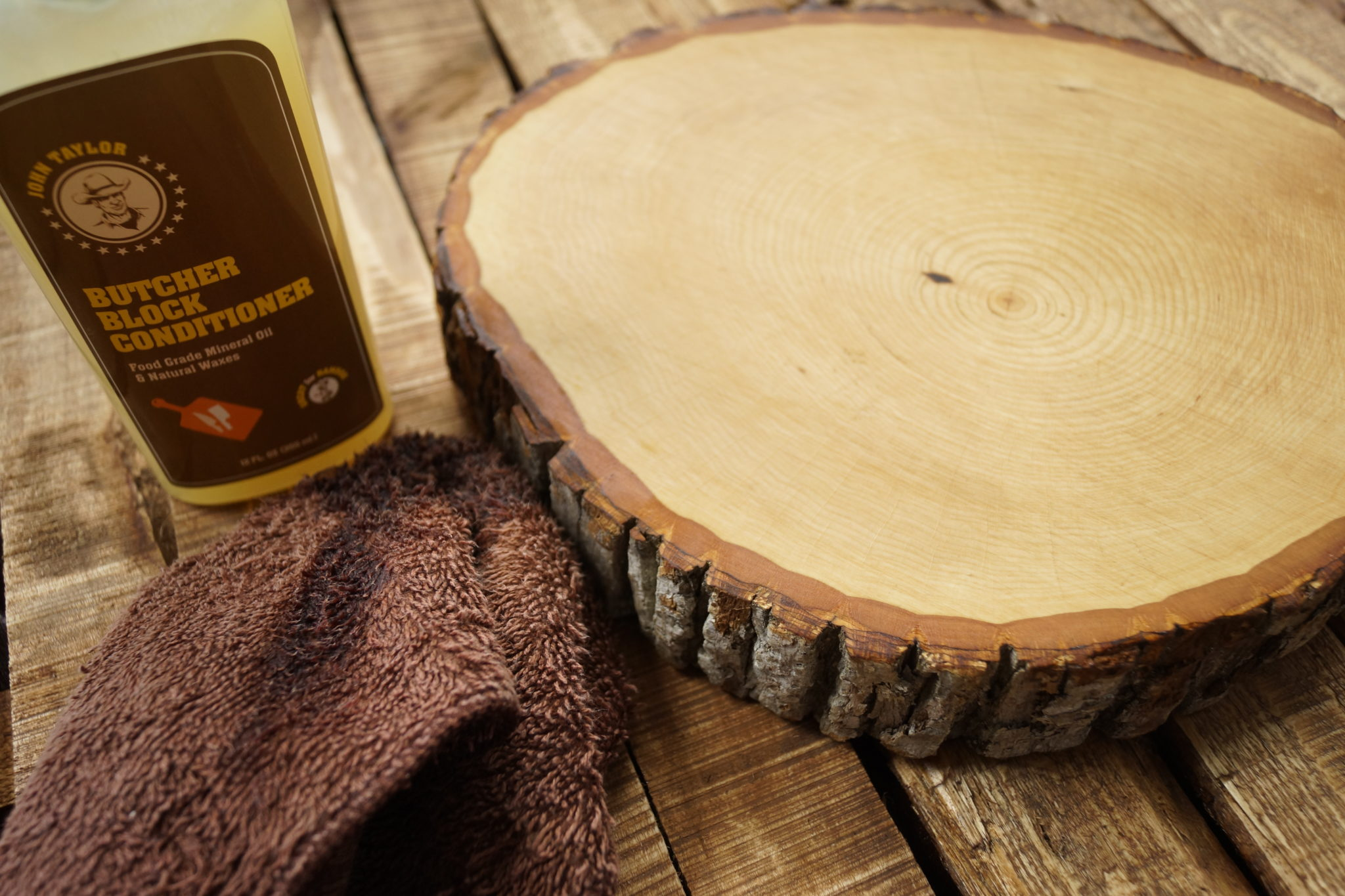 DIY: Do It Yourself - Wood Slice Serving Cutting Board (Sandpaper, Mineral Oil, Butcher Block Conditioner)