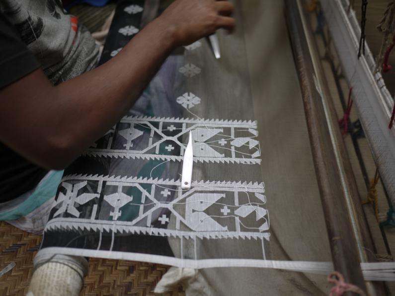 Intricate Jamdani weaving – Handmade Textiles of Bangladesh