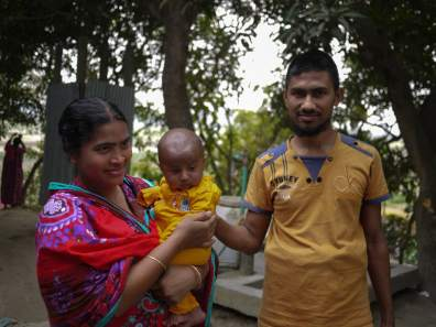 Family in Demra-Narayanganj – Handmade Textiles of Bangladesh