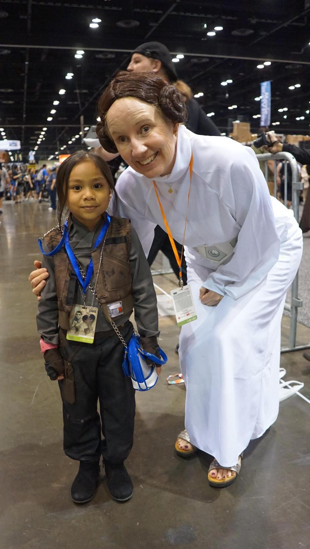 Princess-Leia-Star-Wars-Celebrations-Jyn-erso-death-star-plans