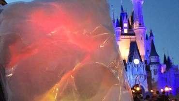 glowing-cotton-candy-walt-disney-world-