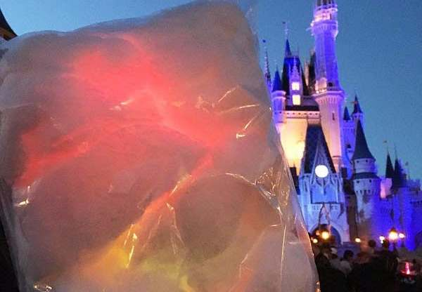 glowing-cotton-candy-walt-disney-world-