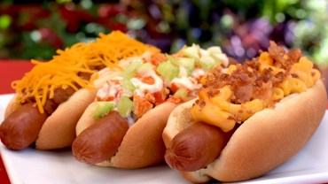 Casey's-Corner-Walt-Disney-World-Magic-Kingdom-triple-play-national-hot-dog-day