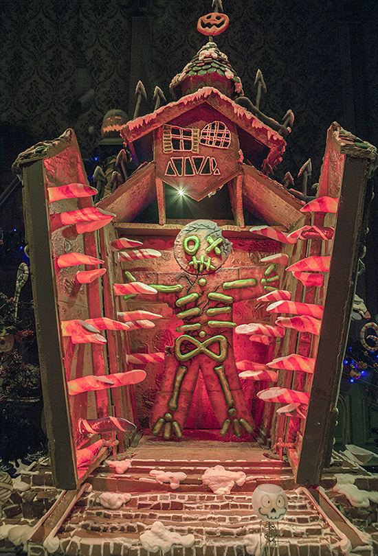 2017 Haunted Mansion Holiday Gingerbread House At