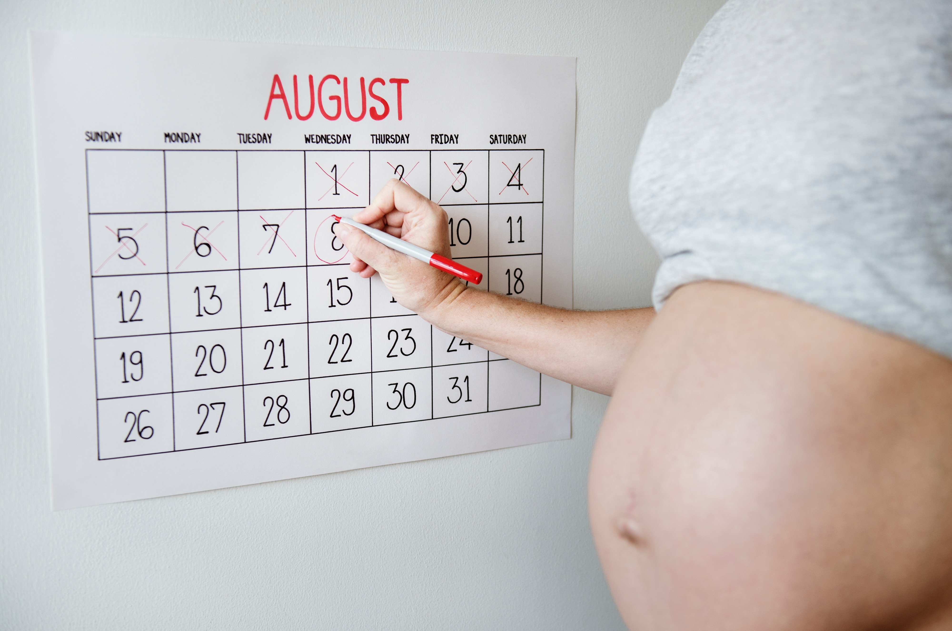 pregnant woman counting down the days