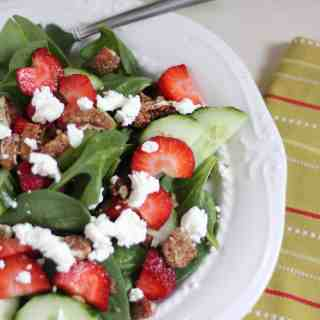 Fresh Strawberry Spinach Salad with Spiced Pecans