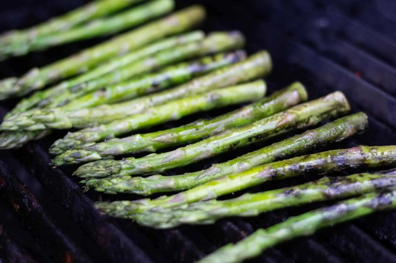 Fresh asparagus on the grill