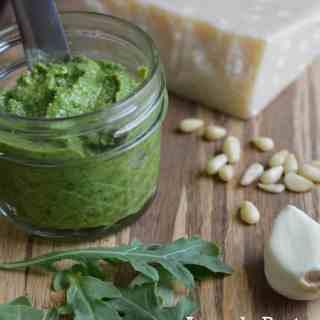 How to Make Arugula Pesto In 3 Steps