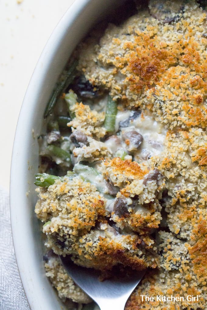 This skinny holiday dish rocks the flavor…hard to believe it's a 1% milk cream sauce! Lean Bean Casserole recipe on thekitchengirl.com