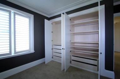custom joinery bedroom wardrobe