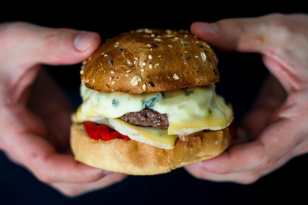 Burger fourme d'Ambert et poivrons (4)