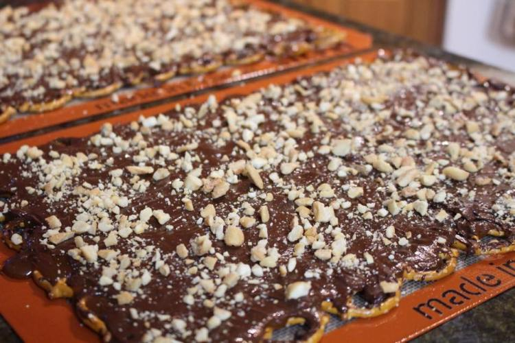 Salted Chocolate Toffee Pretzel Bark2