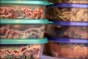 Save time and money by using the best containers for freezing food!