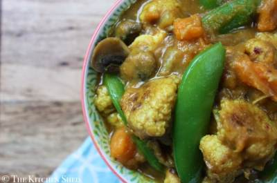 The Kitchen Shed - Clean Eating Roasted Cauliflower Curry