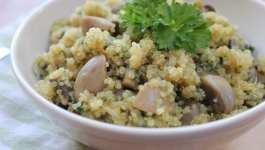 Clean Eating Garlic Mushroom & Spinach Quinoa