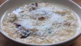 Clean Eating Coconut & Date Porridge
