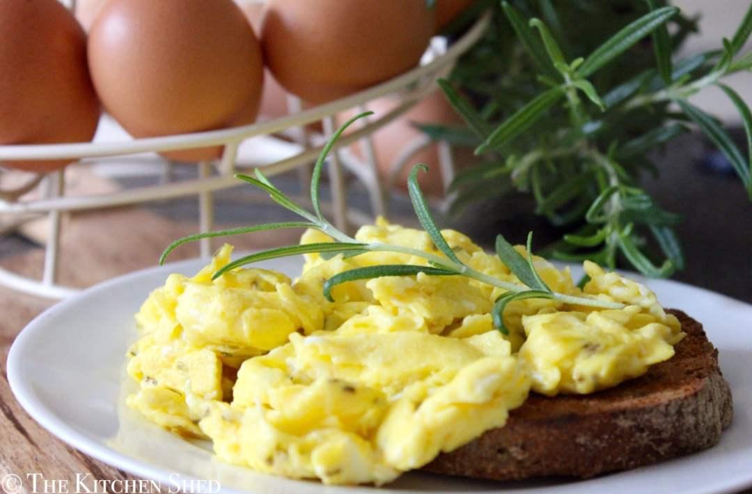 Clean Eating Rosemary & Sea Salt Scrambled Eggs