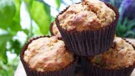 Clean Eating Apple & Raisin Muffins
