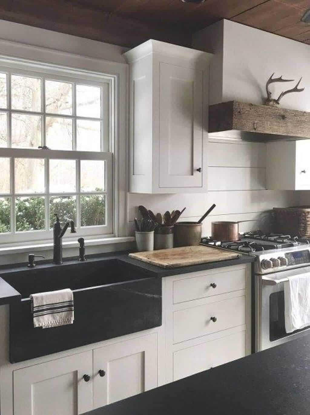 27 Great Farmhouse Kitchen Sink Ideas on Farmhouse Kitchen Sink Ideas  id=42087