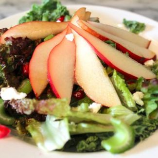 Pear, Pomegranate, and Goat Cheese Salad (plus a Door to Door Organics Giveaway!)
