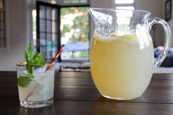 Bourbon Lemonade via The Kittchen