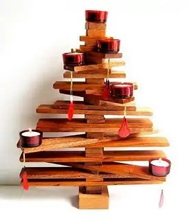 Unique-Christmas-Tree-Decorations-07-the-candles-tree