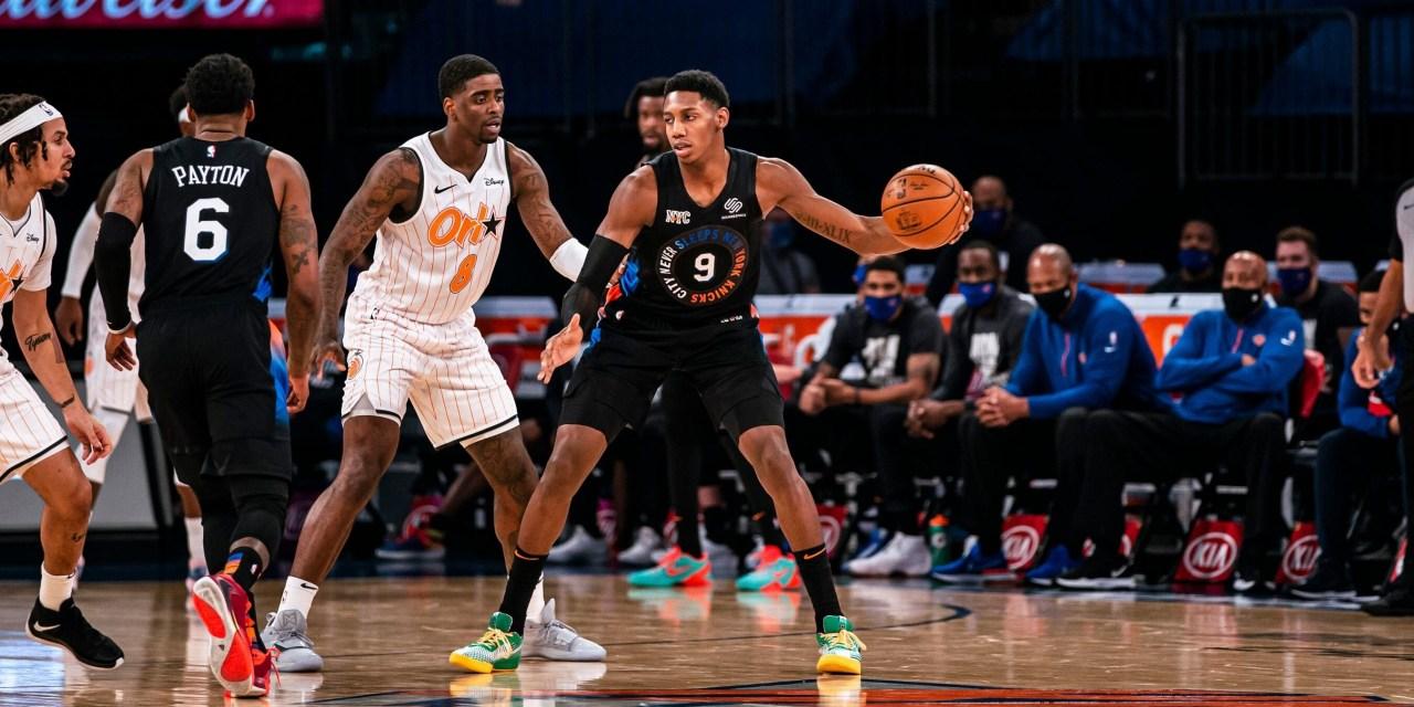 Streaking Knicks Visit Shorthanded Magic