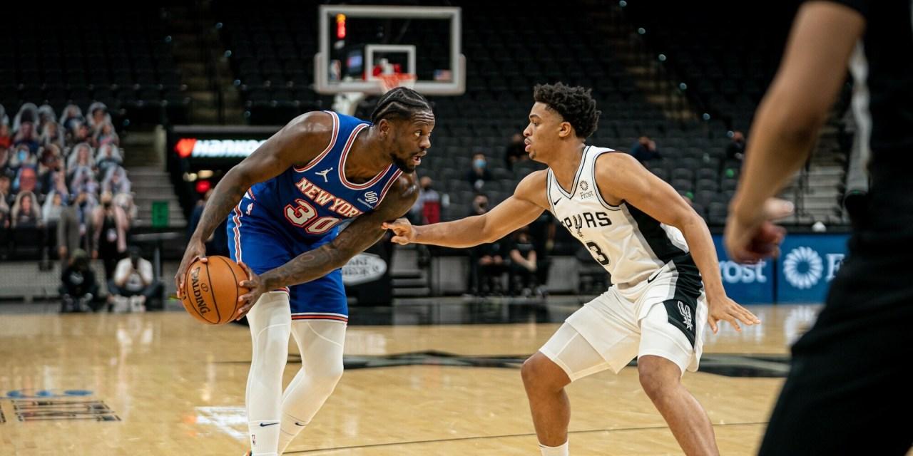 Knicks Slip Up on the Road Versus Spurs