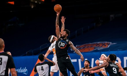 Knicks Regroup With Third Magic Gathering