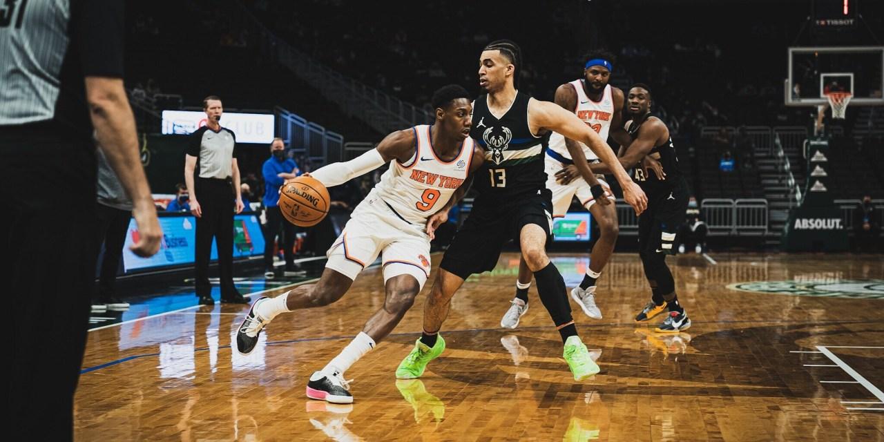 Attention Turns to Mitchell Robinson's Injury as Knicks Narrowly Beat Bucks