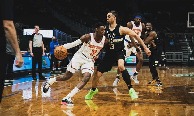 Attention Turns to Mitchell Robinson's Injury as Knicks Narrowly Beat Bucks